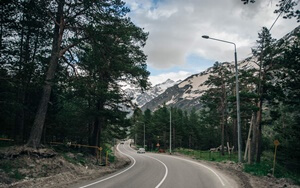 Russia-north-side-road