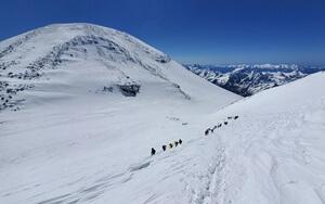 elbrus-climb-group